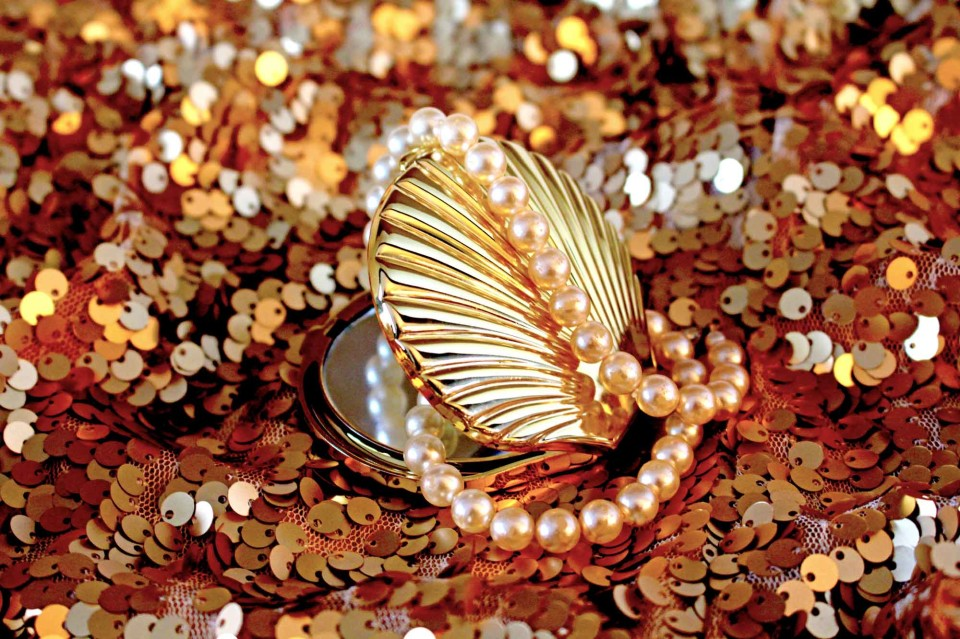 gold accessories, pearls, sequins